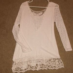 Tops - Gorgeous White Butterfly Back
